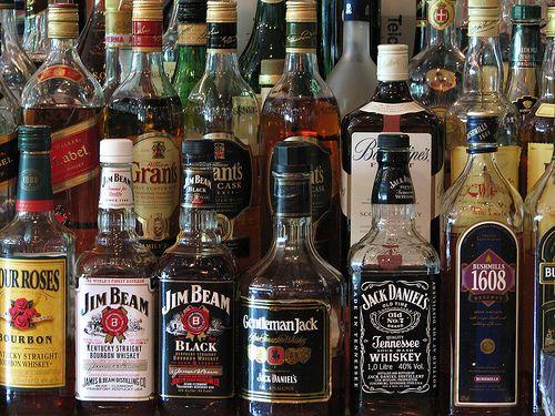 Conversazione a genitori su alcolismo da adolescente