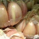 Aglio: Ottimo rimedio naturale per ridurre la pressione sanguigna (clicka per leggere l'articolo)