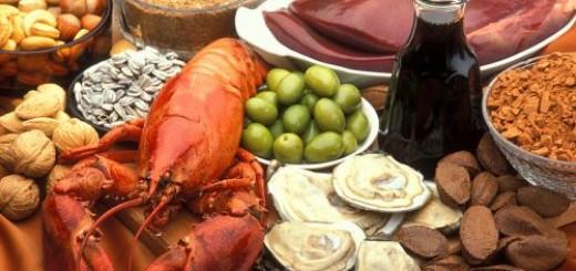 Alimenti ricchi di Rame: Ostriche, fegato, noci, cacao, pepe nero, aragosta, semi di girasole, olive verdi, avocado e crusca.
